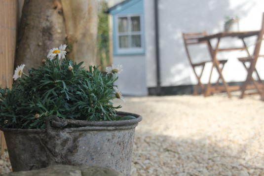 Planter in the cottage garden